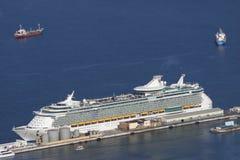 Opinión aérea del barco de cruceros Foto de archivo