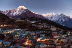 Opinión aérea del bazar de Namche, viaje de Everest, Himalaya, Nepal Imagenes de archivo