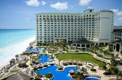 Opinión aérea del centro turístico de Cancun Foto de archivo