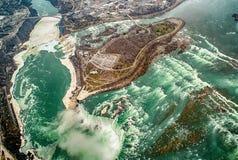 Opinión aérea del helicóptero, caídas canadienses, Canad de Niagara Falls Fotos de archivo