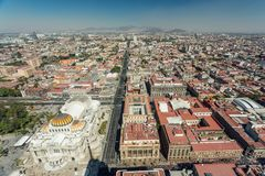 Opinión aérea del horizonte de Ciudad de México Foto de archivo