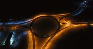 Opinión aérea del invierno del ringroad en la noche 4K metrajes