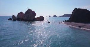 Opinión aérea del mar hermoso almacen de metraje de vídeo