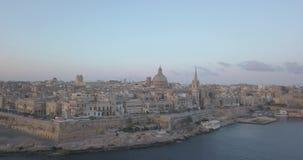 Opinión aérea del panorama el capital antiguo de La Valeta, Malta almacen de metraje de vídeo
