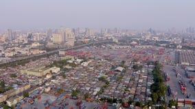 Opinión aérea del puerto de Bangkok almacen de metraje de vídeo