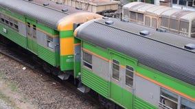 Opinión aérea del tren tailandés almacen de video