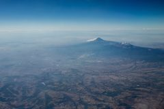 Opinión aérea del volcán de Popocatepetl Fotos de archivo