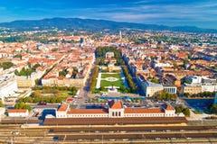 Opinión aérea histórica del centro de ciudad de Zagreb foto de archivo