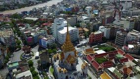opinión aérea 4K Wat Traimit Bangkok Thailand metrajes