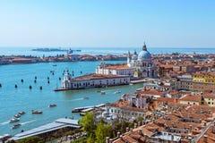 Opinión aérea panorámica del paisaje urbano a Venecia en Italia Fotos de archivo