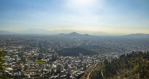 Opinión aérea panorámica Santiago de Chile de San Cristobal Hill - Santiago, Chile Imagen de archivo
