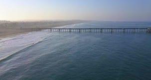 Opinión aérea Santa Monica Pier almacen de metraje de vídeo