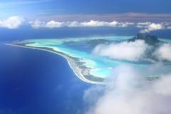 Opinión aérea sobre Bora Bora fotos de archivo