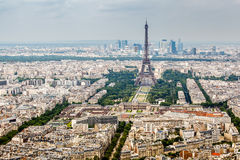 Opinión aérea sobre Champs de Mars y torre Eiffel Fotografía de archivo