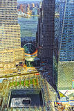 Opinión aérea sobre el monumento nacional del 11 de septiembre del distrito financiero Imagen de archivo