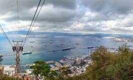 Opinión aérea sobre el puerto del puerto de Gibraltar de una estación superior funicular Fotografía de archivo libre de regalías