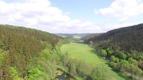 Opinión aérea sobre las montañas de Sauerland metrajes