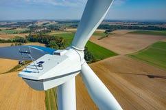 Opinión aérea sobre los molinoes de viento Fotos de archivo libres de regalías