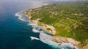 Opinión aérea sobre orilla del océano Fotos de archivo libres de regalías
