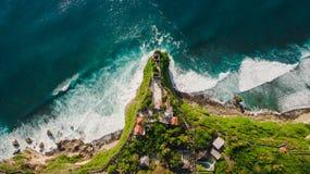 Opinión aérea sobre orilla del océano Foto de archivo libre de regalías