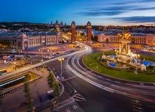 Opinión aérea sobre Placa Espanya y la colina de Montjuic Imágenes de archivo libres de regalías