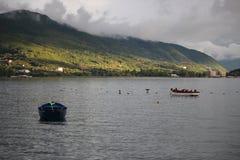 Opinión agradable del lago del lago Ohrid imagenes de archivo