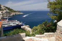 Opinión agradable el Hydra, isla griega Imagenes de archivo