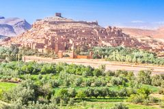 Opinión Ait Benhaddou Kasbah, Ait Ben Haddou, Ouarzazate, Marruecos Imagenes de archivo