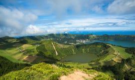 Opinión al Caldeira de Sete Cidades, isla de Miguel del sao, Azores, Imagen de archivo libre de regalías