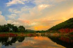 Opinión anaranjada de la puesta del sol Imagenes de archivo