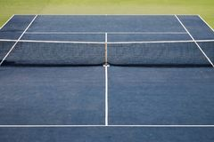 Opinión artificial del campo de tenis del césped Imagenes de archivo