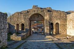 Opinión asombrosa de la puesta del sol del castillo de Ioannina, Epirus, Grecia imagen de archivo libre de regalías