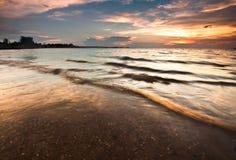 Opinión asombrosa de la puesta del sol de la playa fotos de archivo libres de regalías