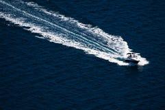 Opinión asombrosa del yate en el archipiélago de Kornati de Croacia Detalle del barco en el mar claro Fotos de archivo libres de regalías