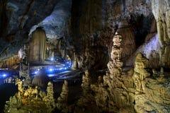 Opinión asombrosa sobre la más vieja área principal del karst de Vietnam Imágenes de archivo libres de regalías