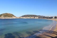 Opinión azul hermosa e islas de la playa Imágenes de archivo libres de regalías