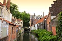 Opinión Bélgica del canal de Brujas Fotos de archivo libres de regalías