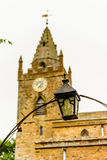 Opinión baja Milton Malsor Church Northampton Reino Unido Fotografía de archivo