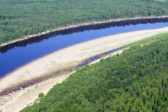 Opinión Bird's-eye sobre el río Fotos de archivo