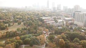 Opinión céntrica de Atlanta Georgia Aerial metrajes