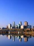 Opinión céntrica de la vertical de Minneapolis Fotos de archivo libres de regalías