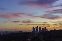 Opinión céntrica hermosa de la puesta del sol de Los Ángeles Foto de archivo libre de regalías