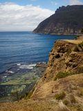 Opinión costera de Maria Island sobre los acantilados fósiles imagen de archivo