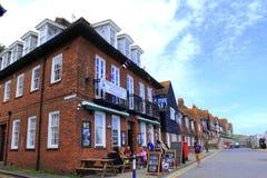 Opinión costera Kent Great Britain de la calle de Folkestone imagen de archivo