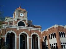 Opinión de ángulo del palacio de justicia Fotografía de archivo libre de regalías