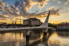 Opiniónde Niza del paisaje urbano Puente de la Mujer Fotografía de archivo