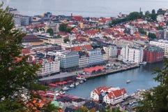Opinión de alto ángulo de Bergen noruega imagen de archivo