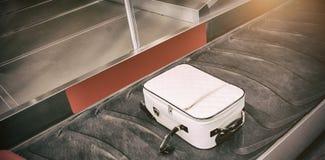 Opinión de alto ángulo de la demanda de equipaje foto de archivo
