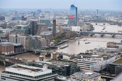 Opinión de alto ángulo del horizonte de la ciudad de Londres foto de archivo libre de regalías