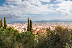 Opinión de alto ángulo del paisaje urbano de Barcelona foto de archivo